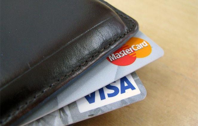 Кредитки в кошельке
